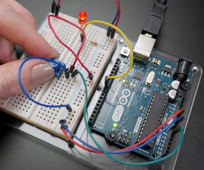 Operazione multiplexing delle porte Arduino